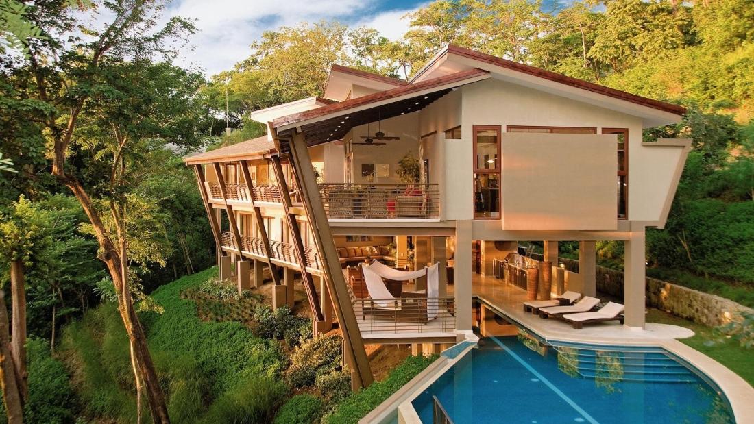 Costa-Rica-Luxury-Home_Bartlett_Sarco-Architects-Costa-Rica-01-1100x619.jpg