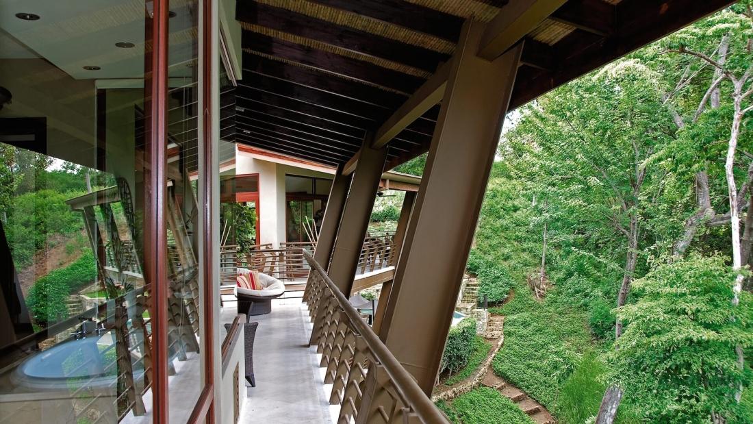 Costa-Rica-Luxury-Home_Bartlett_Sarco-Architects-Costa-Rica-6-1100x619.jpg
