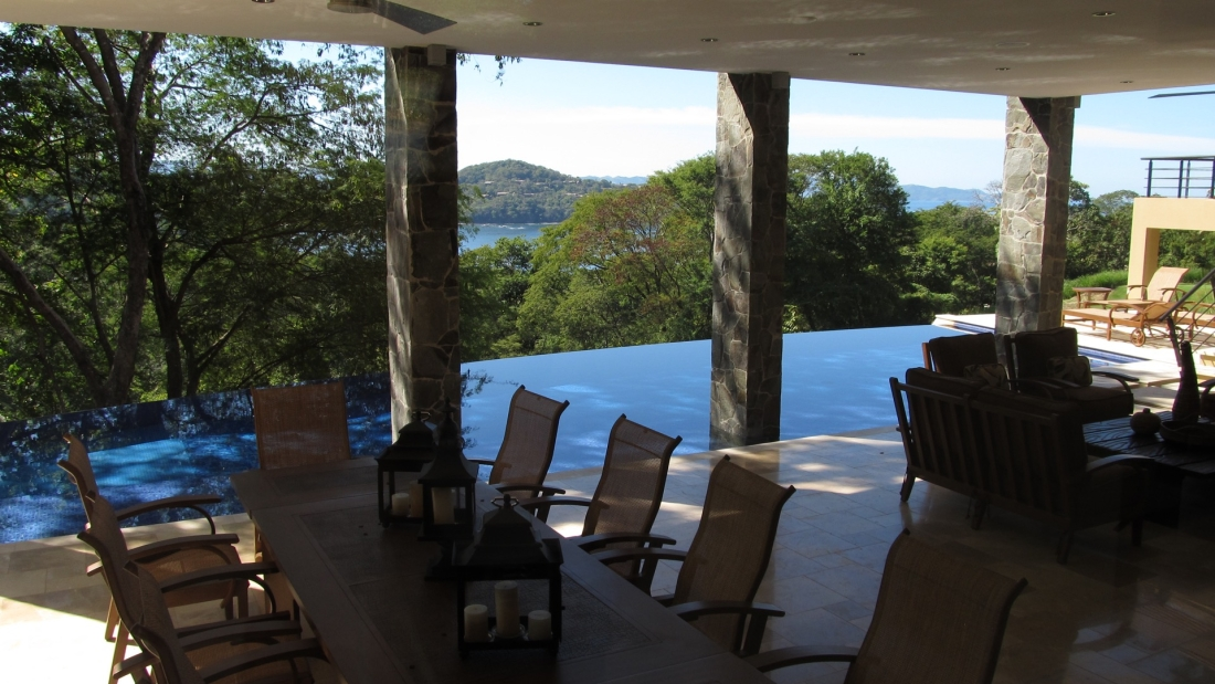 Costa-Rica-Luxury-Home_Sarco-Architects_21-1100x619.jpg