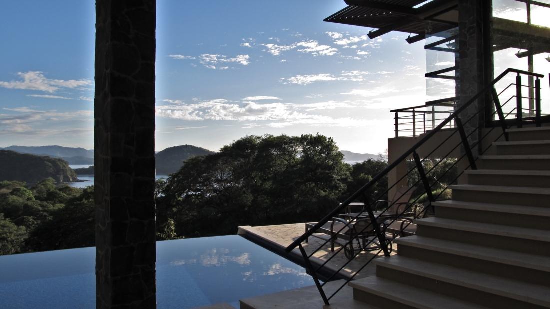 Costa-Rica-Luxury-Home_Sarco-Architects_24-1100x619.jpg