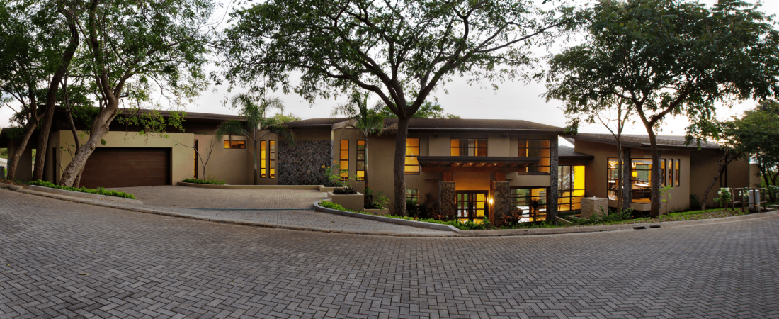 Costa-Rica-Luxury-Home_Sarco-Architects_25-1100x450.png