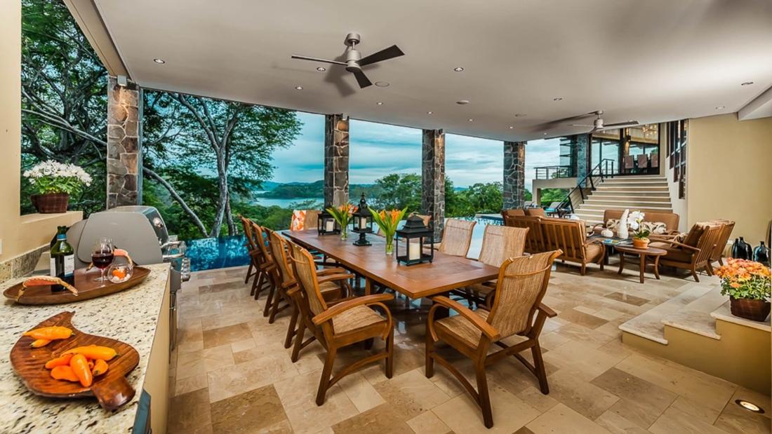 Costa-Rica-Luxury-Home_Sarco-Architects_29-1100x619.jpg