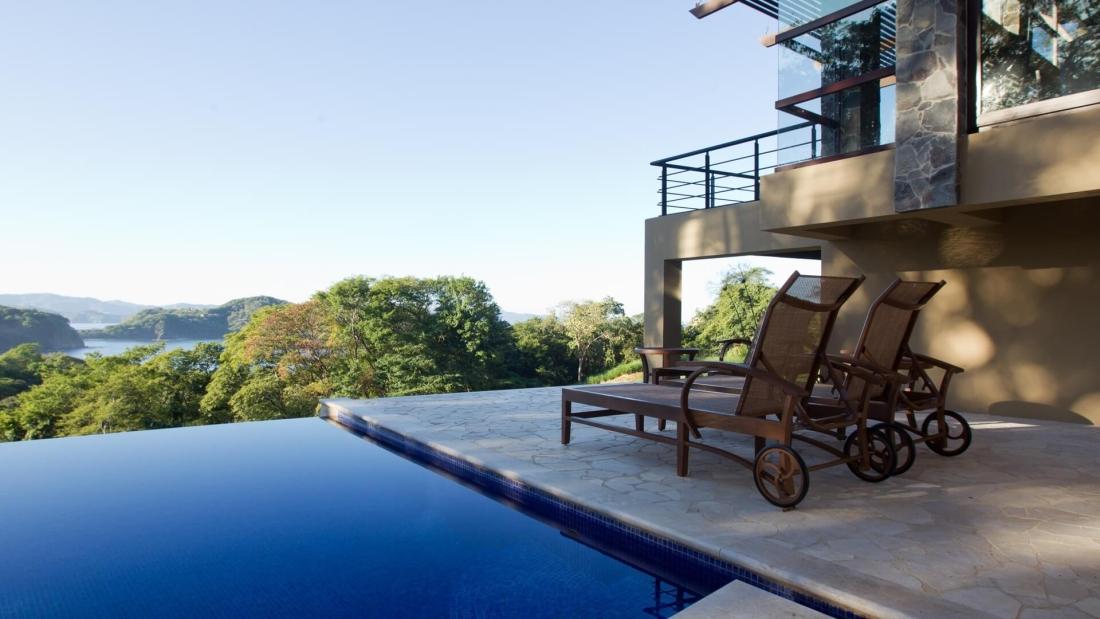 Costa-Rica-Luxury-Home_Sarco-Architects_8-1100x619.jpg